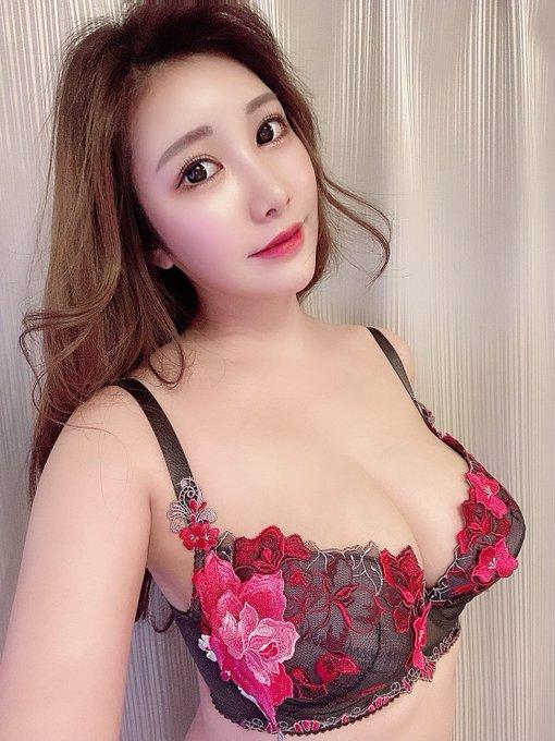 AV女優若月みいなのTwitter自撮りエロ画像33