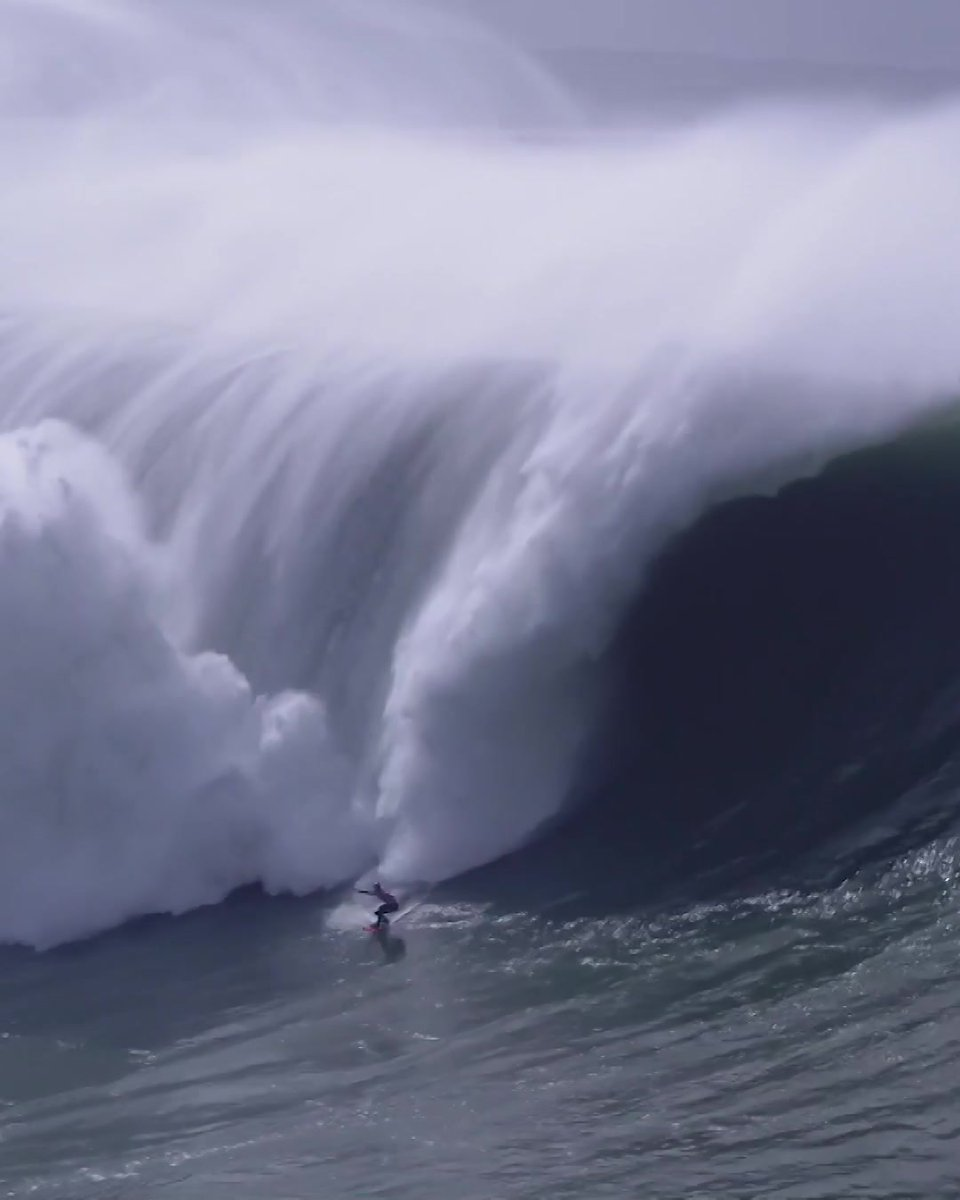 Justine Dupont casually smashing out the winning wave at Nazare 🙌 #redbull