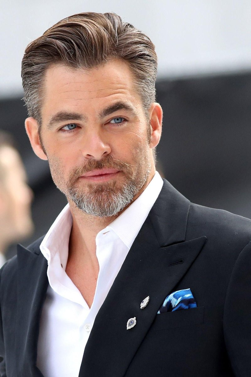 I continue to be baffled and befuddled by fandom's insistence on push #JohnKrasinski for #ReedRichards, when #ChrisPine and #TimothyOlyphant are both vastly superior choices by a country mile. . . #HowBasicAreYou?pic.twitter.com/K8KlXxobsv