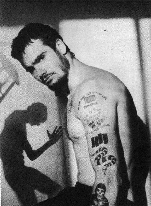 Heute hat der wahrscheinlich sexieste Punkboy ever Geburtstag Happy Birthday Henry Rollins !