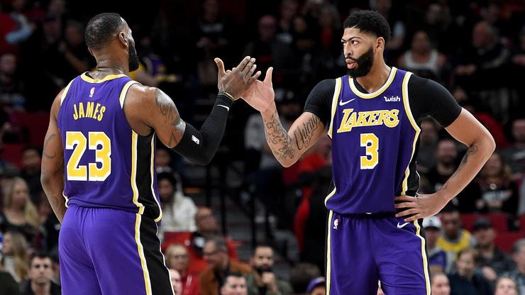 LeBron and Anthony Davis post pair of 30-10 games, join Lakers history