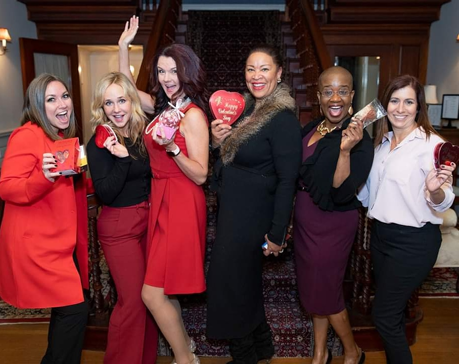 Wish the women in your  a happy #galentinesday today! #WomenUnited   #RWC20  ft/ @Munsons @towncountyclubpic.twitter.com/maNNnKTk3s