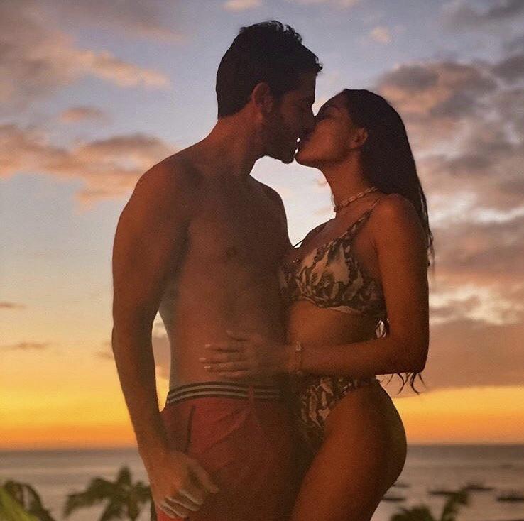 @hagdaprata_ and @jeremie06777 wearing Europann shorts, are living the tropical love.  . #Europann #SwimWear #BeachWear #SaintTropez #Winter2020 #France #Fashion #FashionForMen #Soldes #Hiver #Winter #Hagdaprata #Love #Couplegoals #Beach #Sunsetpic.twitter.com/4K9aFGjALx