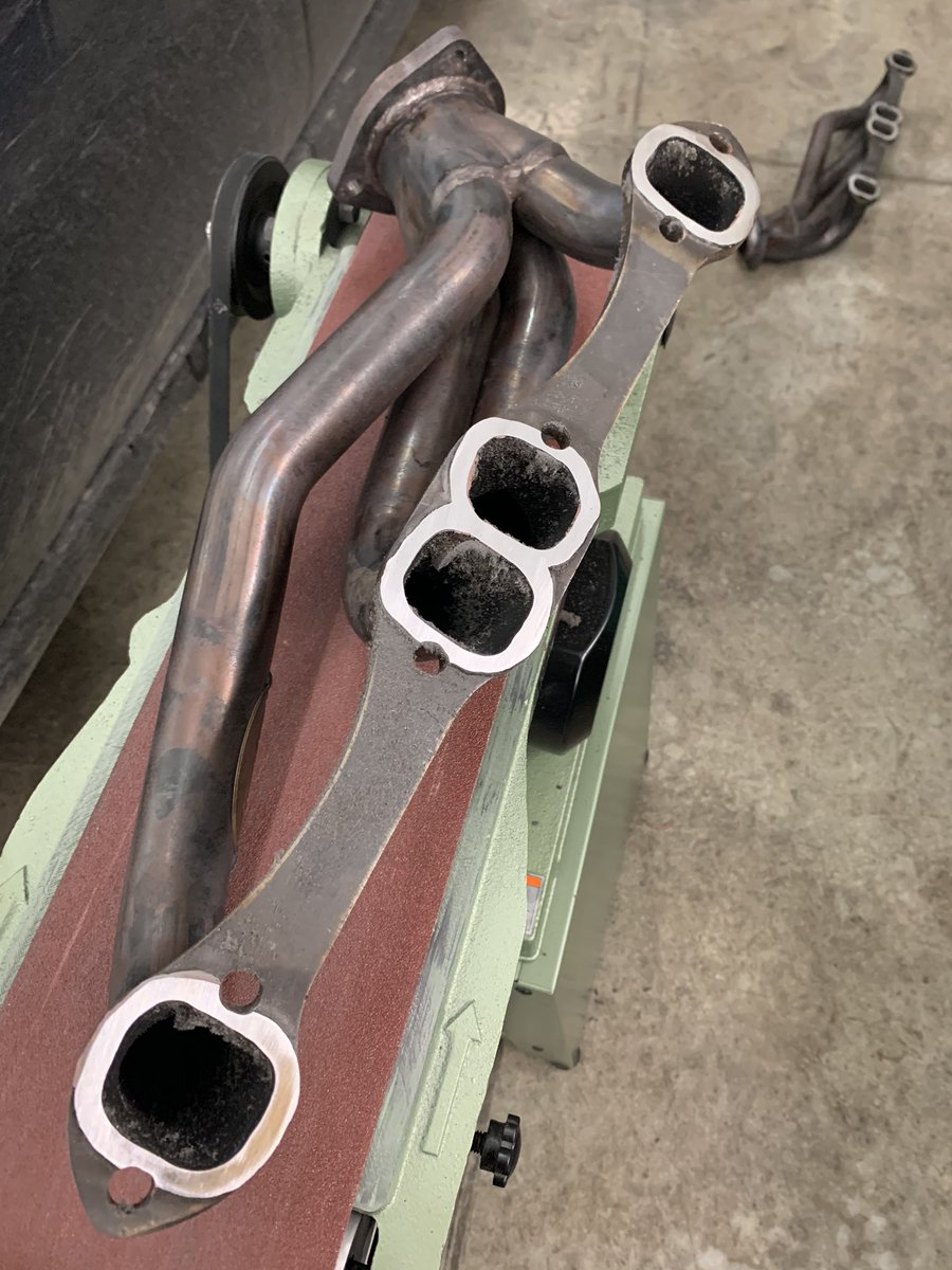 My headers have always had a small leak where they meet the head. This time I ran them on the belt sander to true them up. Now the question is gasket or RTV? What do you think? #dt383 #etcgdadstruck #headers<br>http://pic.twitter.com/laAHzhZ251