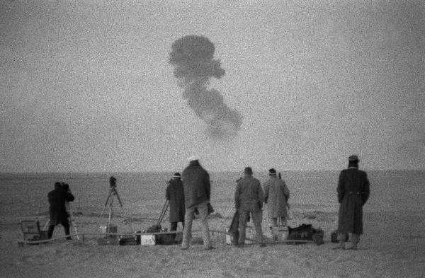 On this day 60 years ago, France tested its first nuclear bomb in the south of Algeria around 30 miles south of the small town of Reggane   Till this day thousands of Algerians continue to suffer from its aftermath <br>http://pic.twitter.com/LNl0Ckioag