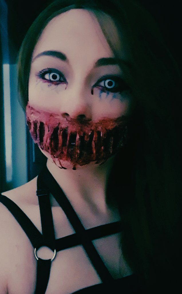 Hey guys :) This is my new account, all about horror and gore make up stuff. I have really a lot of fun with such things, so you're welcome to follow if you like this kind of content ♡  #goremakeup #gore #horrormakeup #horror #makeup #artasylumpic.twitter.com/iaYRvxCfaA