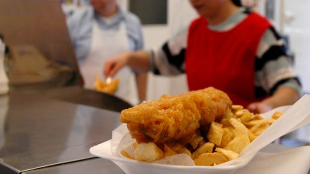 Join us at 16:45 for the big question of the day - should you eat batter or throw it away? 🐟&🍟