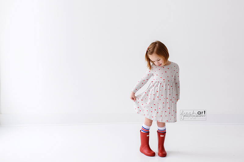 I LOVE my older kids but man do I miss buying Valentine outfits! I think Collins loved her little dress as much as I did!pic.twitter.com/dr6vyFFCXP