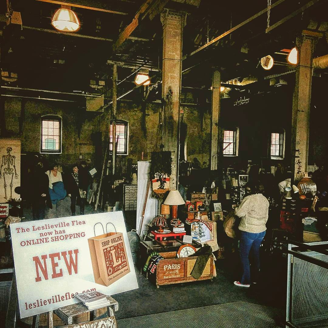@leslievilleflea is popping-up in the Fermenting Cellar this Sunday! Support local by shopping vintage + handmade goods. Plus, @tolightfest is on!   Date: Sunday, February 16, 2020  Time: 10am - 5pm  Repost: @Indie88Toronto  Venue: The #FermentingCellar in @DistilleryTO pic.twitter.com/sOpd4vgvaU
