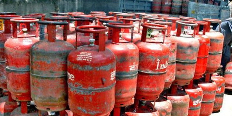 Govt defends LPG price hike, saying it is insulated by increase in subsidy