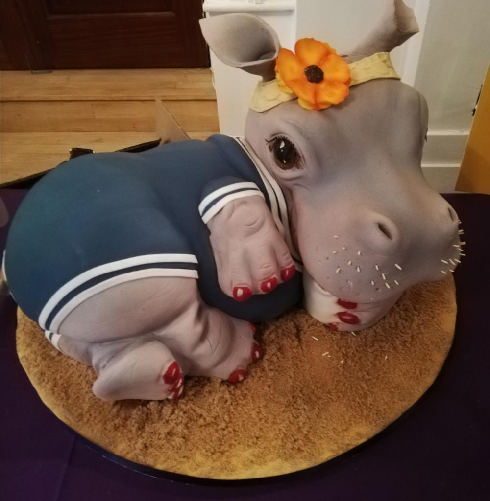 The cake Professionals WOW!! @ATI_Cornwall event @AtlanticHotel_pic.twitter.com/LoW33aUz1V