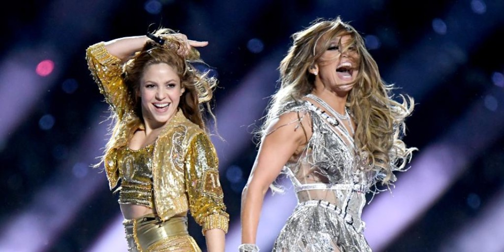 Jennifer Lopez, Shakira give a master class on how to command an audience. Use your voice. Move your body. Use your role! @Forbes @JLo @shakira https://www.forbes.com/sites/averyblank/2020/02/03/jennifer-lopez-shakira-give-master-class-on-how-to-command-an-audience/#785cf50d2c1b…#rolemodels #womenintech #empowerment #career #selfbelief #selfconfidence #femaleempowerment #femaleleaders