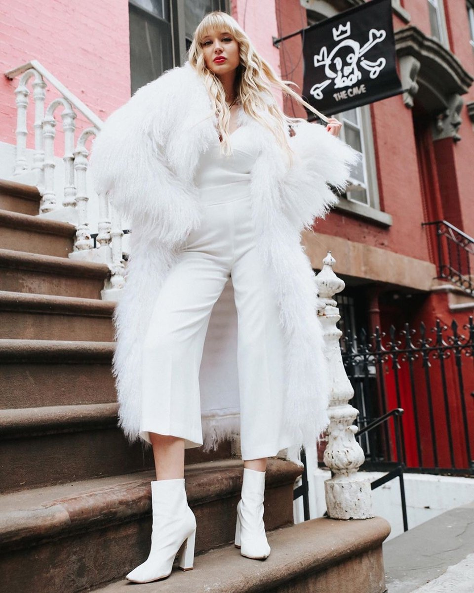 White is not a mere absence of color; it is a shining and affirmative thing, as fierce as red, as definite as black. -G. K. Chesterton @steffieinthecity . . . . . . . . #pologeorgis #whiteoutfit #winterwhite #nyfw #nyfwstreetstyle #nyfw2020 #fashionbloggerpic.twitter.com/mFk08zL8ZI