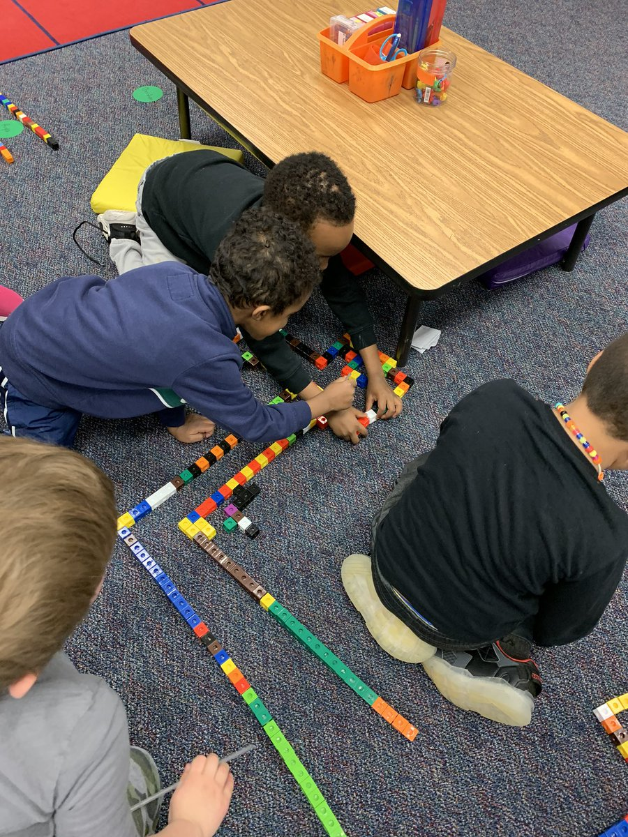 What's the best way to spend indoor recess? Doing a STEM challenge, of course! <a target='_blank' href='http://twitter.com/CampbellAPS'>@CampbellAPS</a> <a target='_blank' href='https://t.co/Btdehg6pH9'>https://t.co/Btdehg6pH9</a>