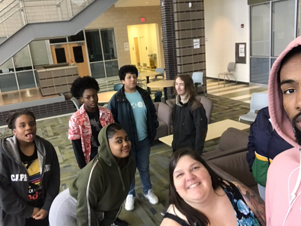 """We read """"I Am Not Ready To Die Yet, Aracelis Girmay"""" by Samantha Bryant and talked about key points and tone. We tried to write L❤️VE poems, and didn't. One of us wrote a hilarious poem about losing her keys in her house. It was a good poetry day. Thank you, poets! <a target='_blank' href='https://t.co/QnbCRVBYrx'>https://t.co/QnbCRVBYrx</a>"""