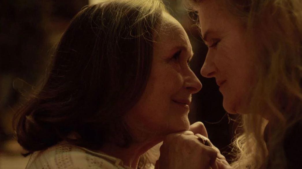 Je viens de voir #Deux de Filippo Meneghetti et c'est un très joli film, porté par ses deux superbes actrices #MartineChevalier et #BarbaraSukowa. Je le recommande fortement surtout que l'amour entre deux femmes âgées a rarement été abordé au cinémapic.twitter.com/6wJIXHlev0