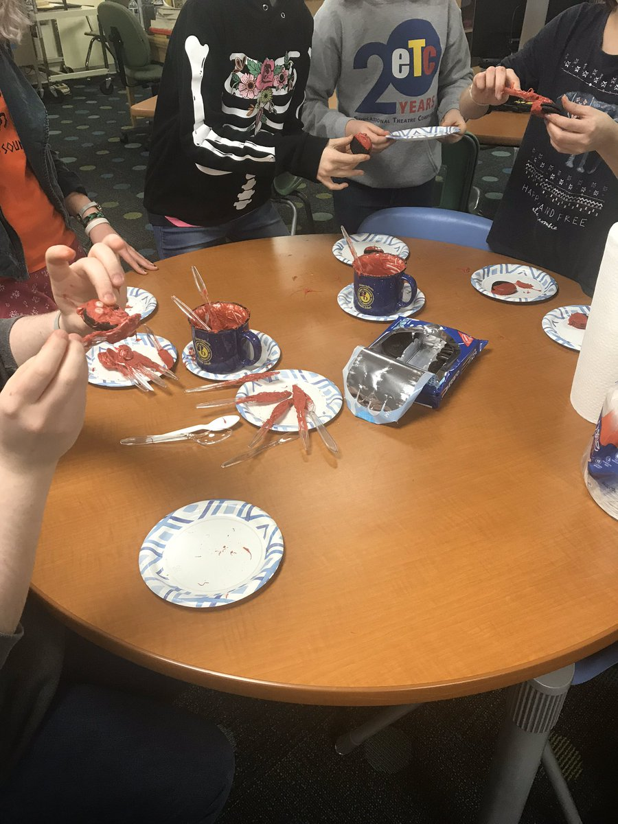 Library craft day! We made edible love bugs to give as a valentine or enjoy as a dessert. <a target='_blank' href='http://twitter.com/APSLibrarians'>@APSLibrarians</a> <a target='_blank' href='http://twitter.com/APSVirginia'>@APSVirginia</a> <a target='_blank' href='http://twitter.com/JeffersonIBMYP'>@JeffersonIBMYP</a> <a target='_blank' href='http://search.twitter.com/search?q=librarycraft'><a target='_blank' href='https://twitter.com/hashtag/librarycraft?src=hash'>#librarycraft</a></a> <a target='_blank' href='http://search.twitter.com/search?q=ediblecraft'><a target='_blank' href='https://twitter.com/hashtag/ediblecraft?src=hash'>#ediblecraft</a></a> <a target='_blank' href='http://search.twitter.com/search?q=lovebugs'><a target='_blank' href='https://twitter.com/hashtag/lovebugs?src=hash'>#lovebugs</a></a> <a target='_blank' href='http://search.twitter.com/search?q=lunchinthelibrary'><a target='_blank' href='https://twitter.com/hashtag/lunchinthelibrary?src=hash'>#lunchinthelibrary</a></a> <a target='_blank' href='https://t.co/vYId7D6KvZ'>https://t.co/vYId7D6KvZ</a>