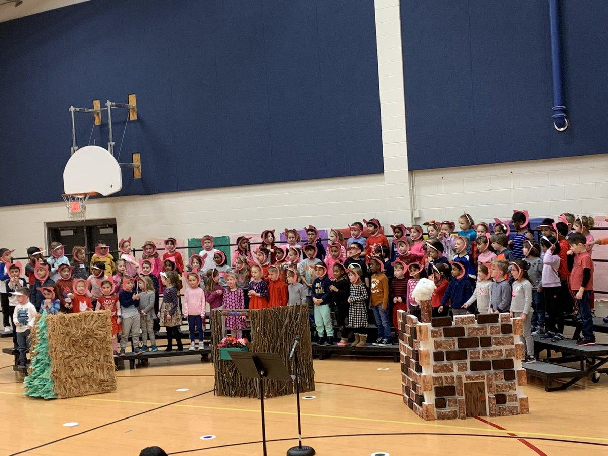 Kindergarten Three Piggy Opera 🐷 dress rehearsal! See you tonight at 6:30pm!