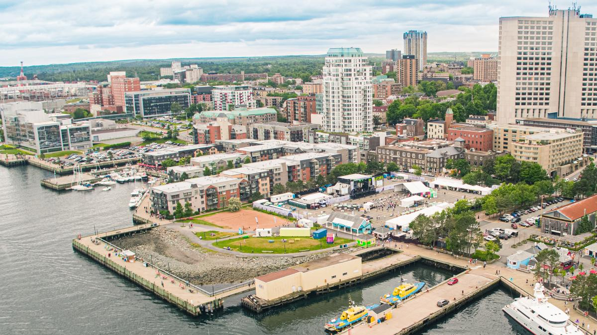 🎨🎭 Bâtissons le célèbre Art District de Halifax! Architectes et designers, proposez votre vision sans tarder 👇 https://t.co/kbvwXwVcvv https://t.co/kS3jl2abZG
