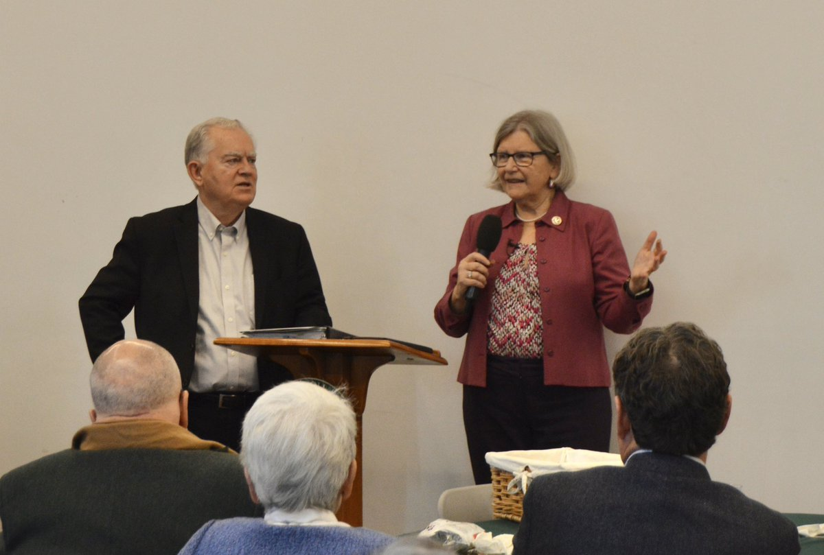 A special thank you to @sr_simone fearless leader of #NunsOnTheBus for visiting Carroll this week and sharing her wisdom on how to have difficult conversations with people who don't share the same political and religious views as us to help heal our country. https://t.co/SAznBOVKCJ