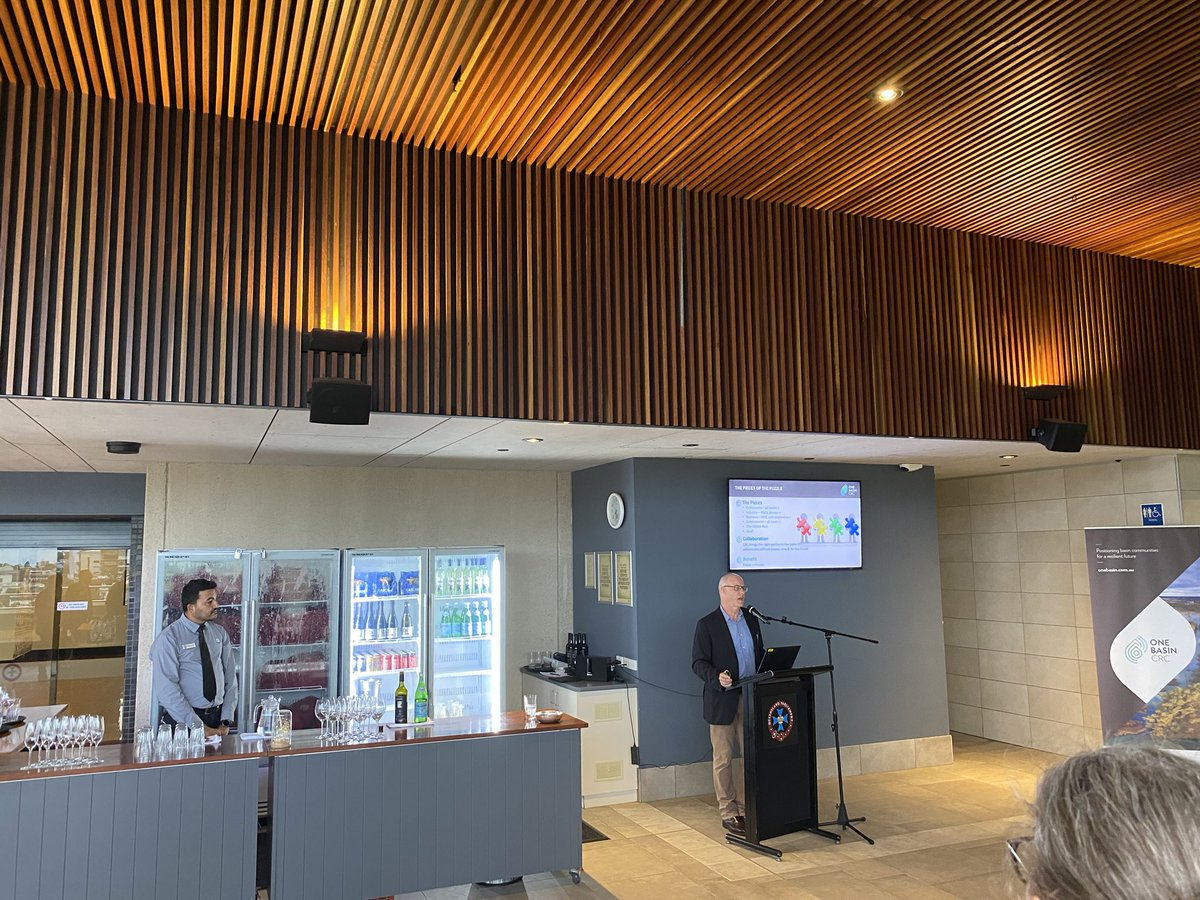ONE Basin CRC bid launches in Brisbane last night- Parliament House . @usqedu @ILSE_USQ @CharlesSturtUni @unimelb @ProfJohnCole @Ben_Lyons_ @agintegrity - researching rural communities & water. Big research questions to answer still on one of the nations biggest issues #water #ag https://t.co/F6b81r46n1