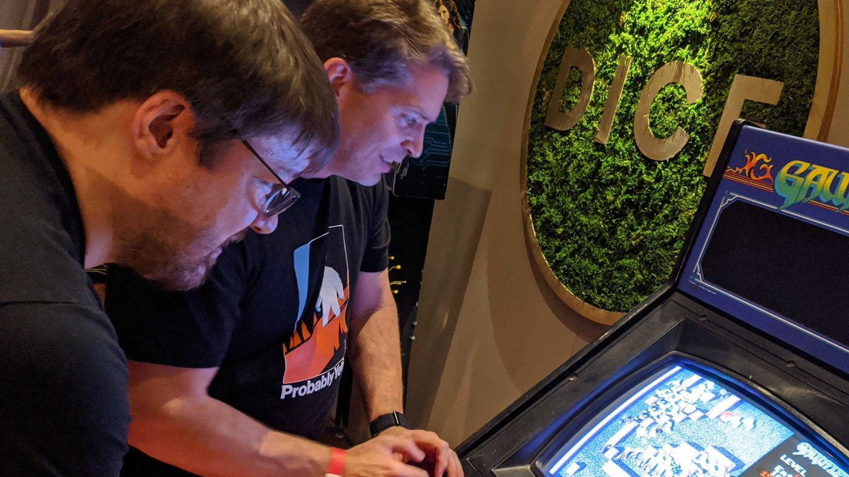 gg #DICE2020 !  Great meetings, roundtables, panels, #DICEAwards (congrats to all!), catching up & friendly competition at DICE Arcade - thanks to @Official_AIAS for presenting!