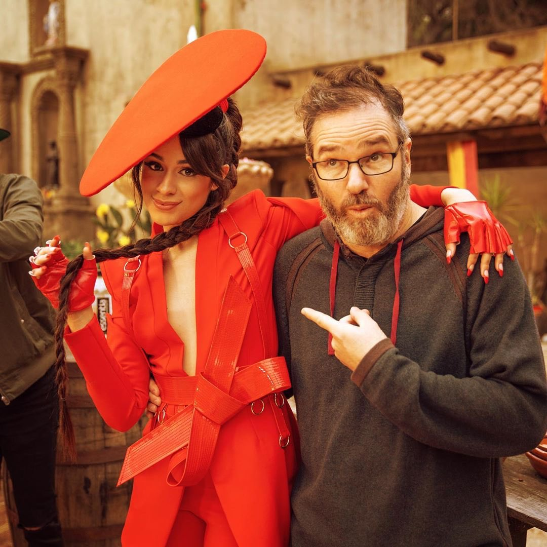 THANK YOU TEAM !!!!!!! can't do videos without people like this makin the whole thing MAGICAL AND STUFF !!! #MyOhMyVideo camilacabello.lnk.to/MyOhMyOfficial
