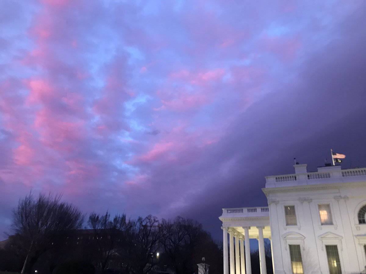 Thursday night sky...busy day at the White House.