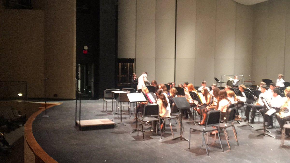 7th grade prefestival concert with Van Hoosen and guest clinician Greg Holt @VHMSbands #rcsartspic.twitter.com/0DswjAMQqN