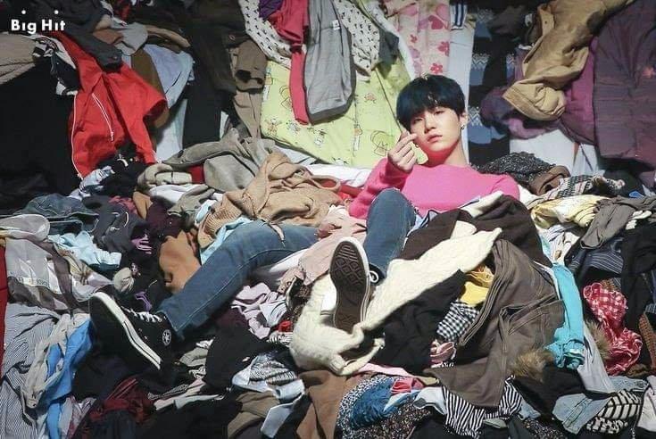 me and my room   #SpringDay1000Days #BTS #Suga  #방탄소년단 #슈가 https://t.co/hFxJjHEcxv