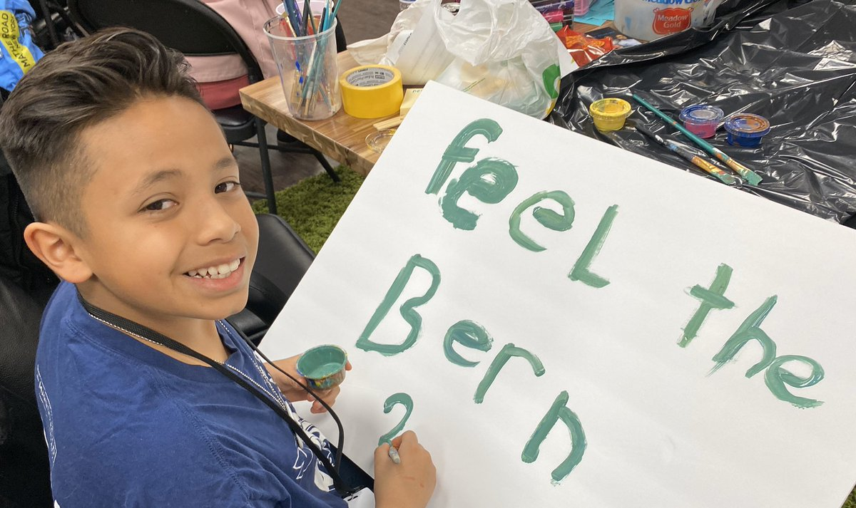 The young people here in Las Vegas are feeling the Bern! #Road2Bernie #NVCaucus