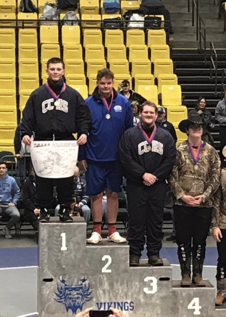 Congrats to Kade Carlson on winning the 285 pound 6A Wrestling Title today! Aaron Wilcox took 3rd. @canyonsdistrict @DNewsRewind @UHSAAinfo @K_carlson_grind @awilcox522 @tribpreps @desnewssports @kslsportspic.twitter.com/nC4xYxss1e