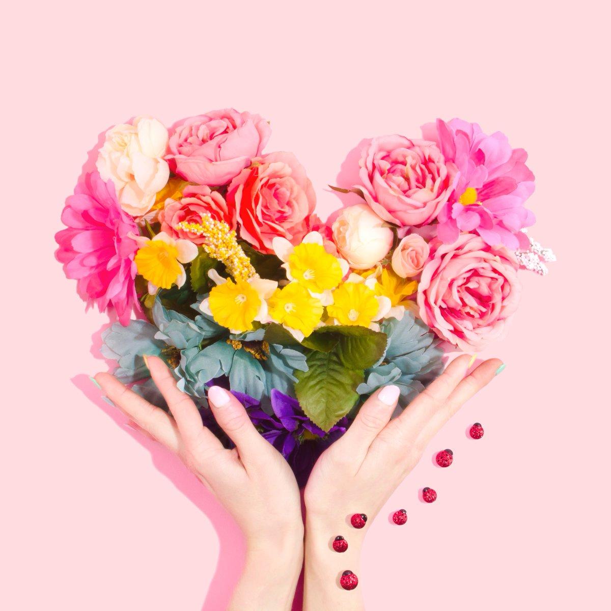 Tief empfundene Sehnsucht, echte Sehnsucht ist die Sehnsucht, jemandem nah zu sein.   - Paulo Coelho -   Einen megatollen Valentinstag für Dich#valentinstag #liebe #zuneigung #seiduselbst #zitate #sprüche #erfolg #ziele #sinndeslebens #youcanbemorepic.twitter.com/IoZ1d4gy3M