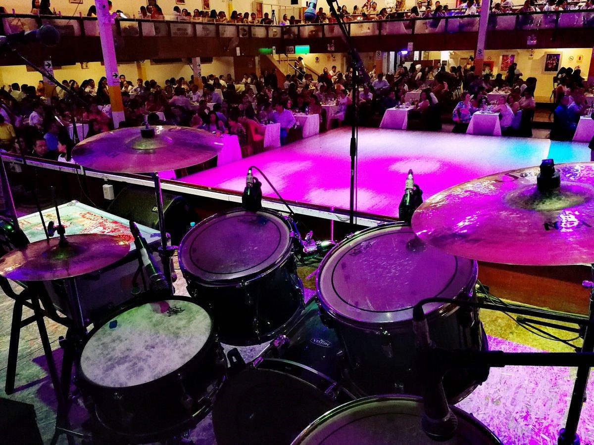 Lleno total en Brisas del Titicaca #GrupoProyección @soultonecymbals #soultonecymbalsartist #soultonecymbalsfamily #drum #drumming #drumset #percussion #drummer #drummerlife #drumsdrumsdrums #drumstagram #cymbals #percussionist #drummers #drummerlife @saraidrums #souldoutpic.twitter.com/fO73T8kpAw – at Lima, Peru