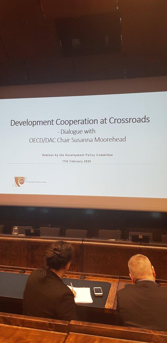 Un dialogue intéressant avec @DACchairOECD Susanna Moorehead sur l'importance d'atteindre le programme des #ODDs 2030, en le liant à l' #assistancedeveloppement#changementclimatique