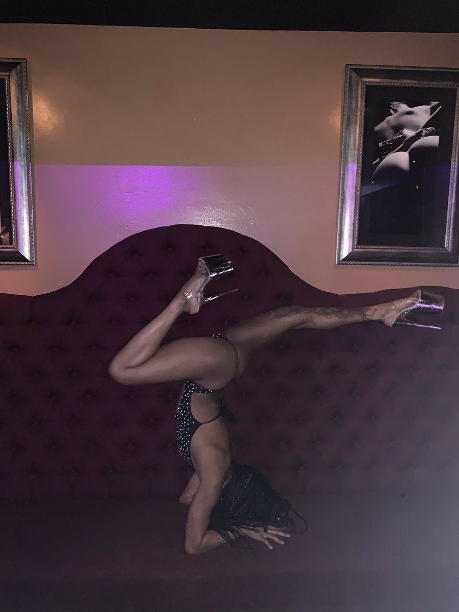 Stretching it out‼️‼️🤩 #damesBabe #vanNuys #DamesnGamesVN #vip #bottlesnGirls #ThursdayThoughts #ThirstyThursday #beer #liquor #Available https://t.co/Nq5iqnENFB