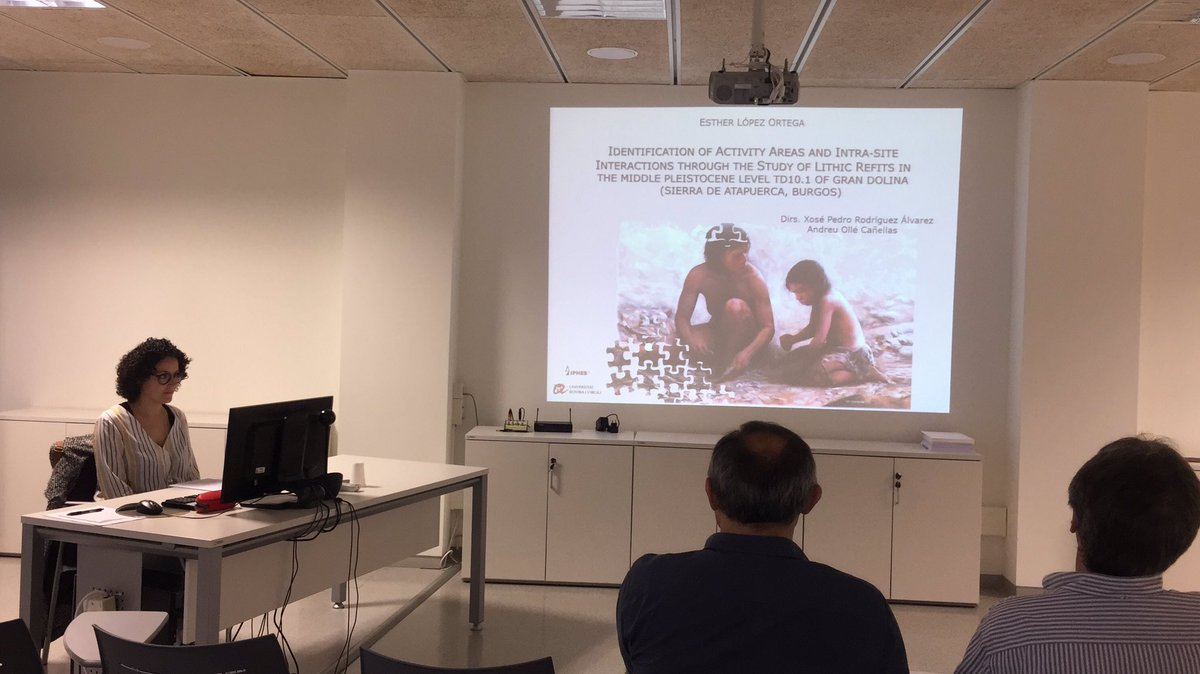 """Today at @iphes, #EstherLopezOrtega  presenting her Doctoral Thesis: """"Identification of #activityareas and intra-site interactions through the study of lithic #refits in #GranDolina #TD10.1"""" #newtechniques #Atapuerca @traceoiphespic.twitter.com/OUyrgXj0Ic"""