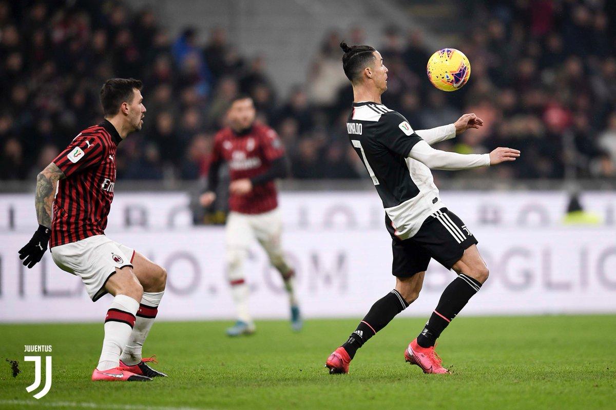 GALLERY 📸 La semifinale di andata di #CoppaItalia 🏆🇮🇹 http://juve.it/AwuD30qhyEF  #MilanJuve #FinoAllaFine