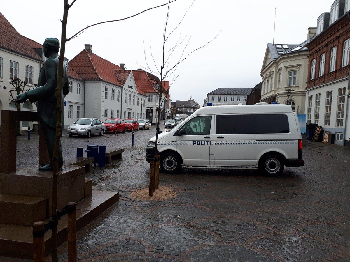 Fyns Politis mobile politistation er i dag på Torvet i Assens fra kl. 10 til 14. #politidk https://t.co/0kwxfktaEa