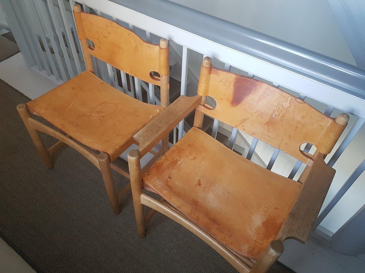 Fyns Politi har beslaglagt 6 sjældne Børge Mogensen spisebordsstole, og søger nu rette ejere i hele landet. Læs mere og se flere billeder af stolene her: https://t.co/ltjx6MvoRs #politidk https://t.co/Ym4gHavrMl