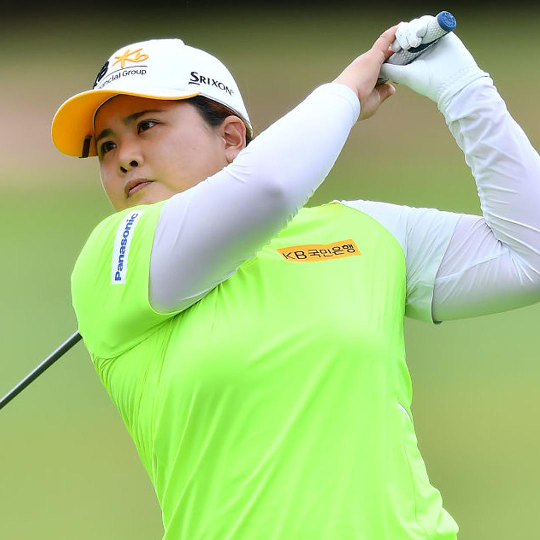 """공동 선두!! 👏 . 퍼트에 만족한 박인비 """"호주여자오픈서 좋은 성적 보답하고파"""" . ▶️기사보기 http://bit.ly/39CUqf1 #LPGA #WomensAusOpen #DriveOn #박인비"""