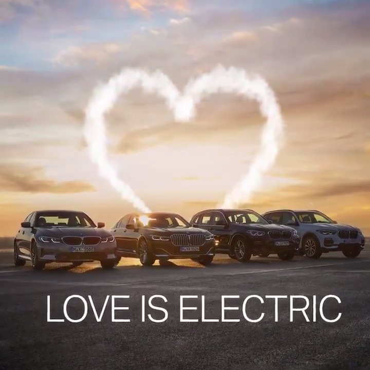 🚗+ 🔌=❤️ #BMWGroup #valentinesday #ElectrifYou __ http://b.mw/disclaimer_330eSedan … http://b.mw/disclaimer_X3xDrive30e … http://b.mw/disclaimer_X5xDrive45e …