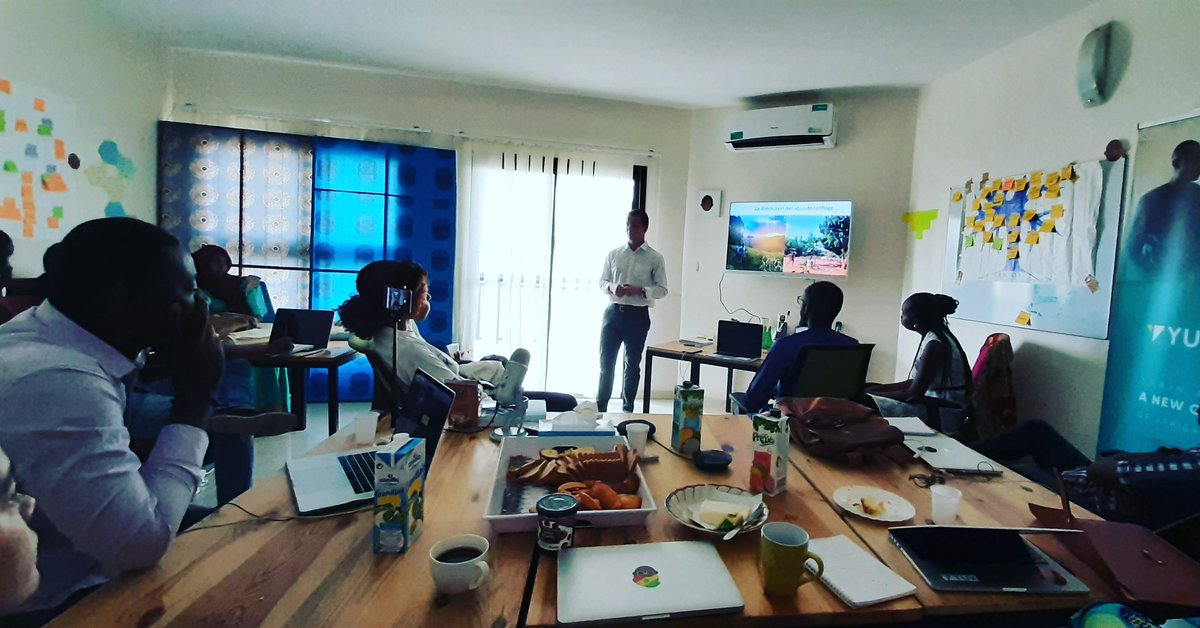 [YUX Breakfast] Great presentation by our researcher Max A. Smith on his 9 months immersion in rural Togo and the impact of mobile phones on urban-rural relationships. Fascinating. #Anthropology #Ethography #YuxResearch #UX #DigitalUsage #UserExperience #Togo #Africa