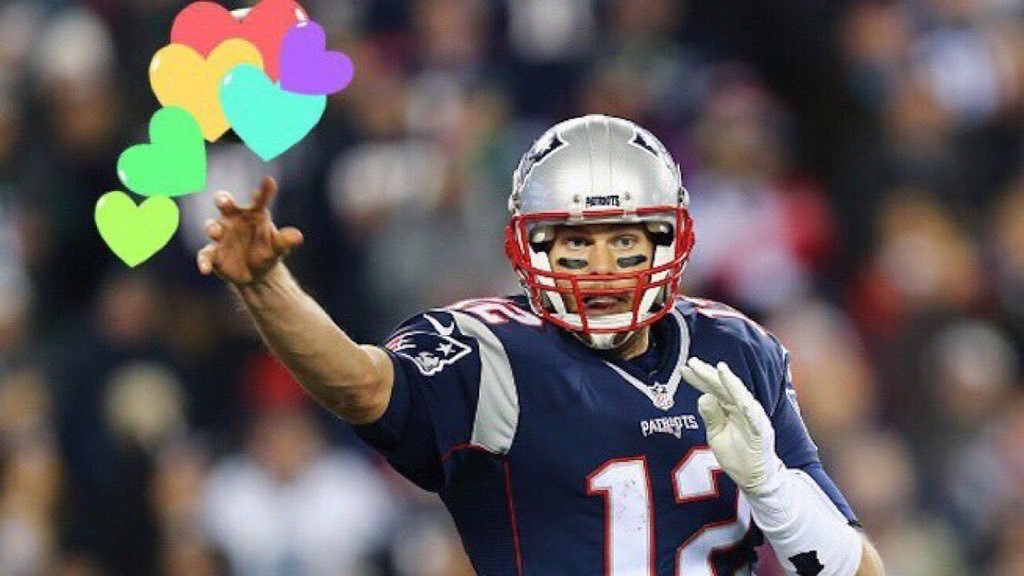 @TomBrady happy valentine's day tom i love u