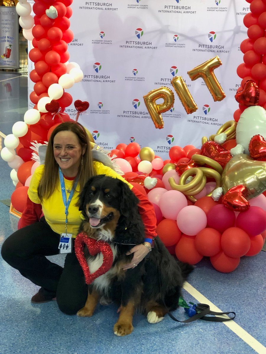 United taking great care of our pets in Pittsburgh! Valentine dog bones for our furry friends! @weareunited
