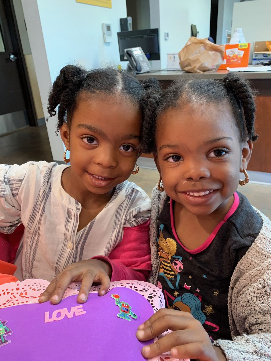 Happy Valentine's Day! ❤️ Families at the Family Solutions Center celebrated with frame decorating and card making hosted by our Youth Action Council!  A huge thanks to @bigsugarbakeshp for providing the goodies, and @partycity for the decorations.