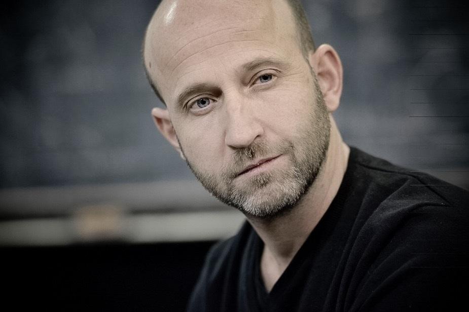 """Aquesta setmana al @MillorTemps entrevistem Marc Montserrat Drukker, director de producció d'una de les estrenes més esperades de la temporada, """"A chorus line""""  📻https://www.ccma.cat/catradio/catalunya-musica/…"""