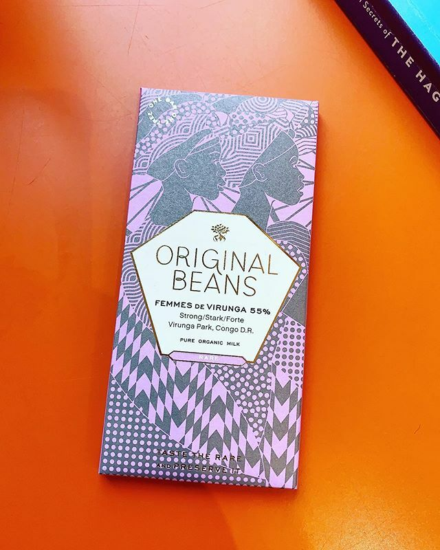 Sometimes love isn't hard to give... one of our bestsellers @original_beans Femme de Virunga a 55% dark milk. Essence of roasted nuts and cappuccino inspire and empower in this cacao which honours the strong women farmers of Virunga! ❤️ https://t.co/QKMWCpNwJ8 https://t.co/DX9bNDRxgC