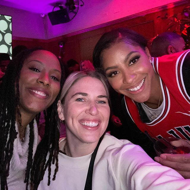 Quick trip to Chicago but glad I got to catch up with my #tennessee family @justineslife @candaceparker 🧡🍊#playersnightout #playerstribune #heirjordan https://t.co/xq0cBC9159 https://t.co/3ap0AWREbE