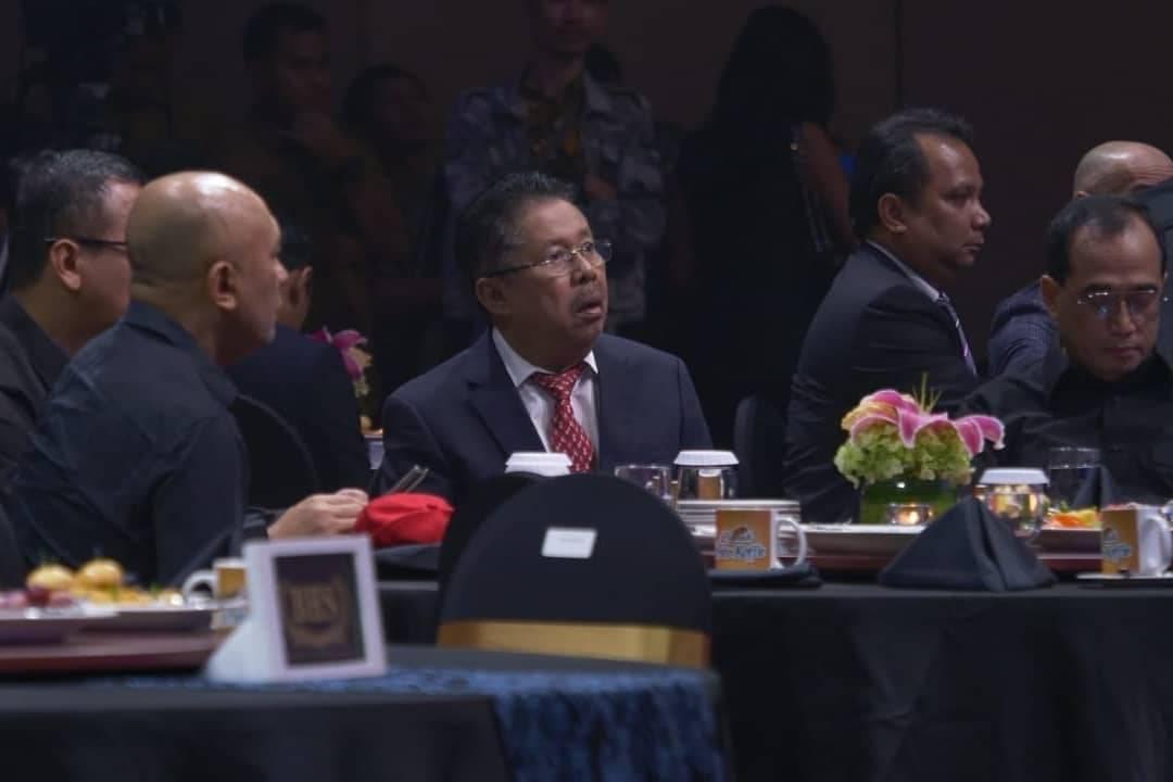 Presiden Indonesia Lawyers Club @presidenilc Dalam program spesial HUT 12 tahun tvOne.Yuk nonton sekarang hanya di tvOne.Kalian juga bisa live streaming di youtube (swipe up langsung), atau di facebook dan twitter live.#BersatuUntukMaju #HUTtvOne #12TahuntvOne